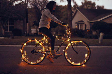 Bike-christmas-girl-glow-lights-favim.com-184616_large