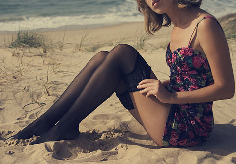 Beach-beautiful-dress-fashion-girl-favim.com-185684_large