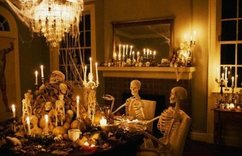 View-great-halloween-living-room-decorating-ideas-588x380_large