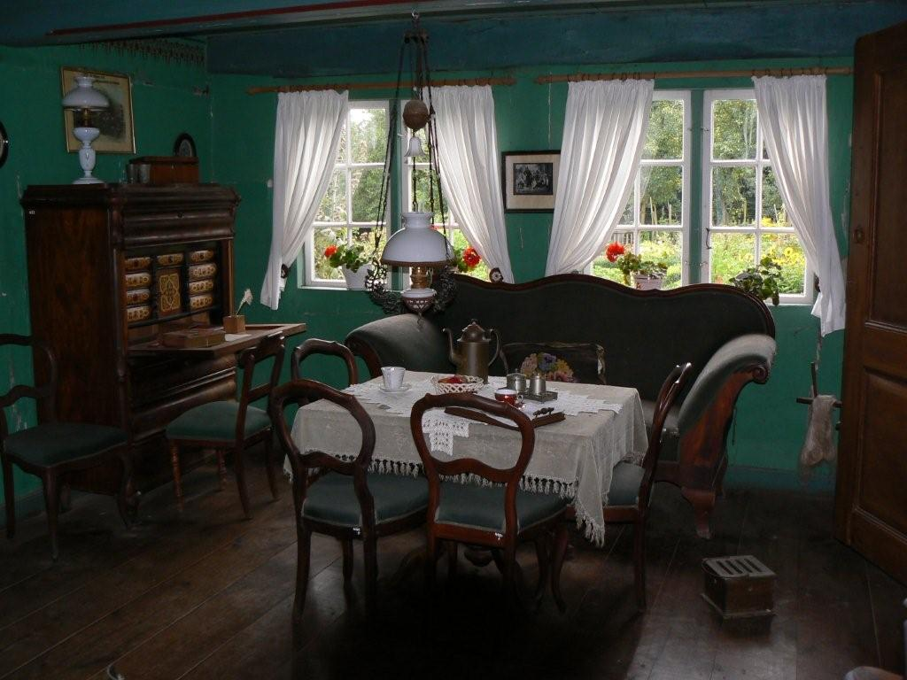 nesttisch und dunkle farbe fr eine elegante wohnzimmer ...