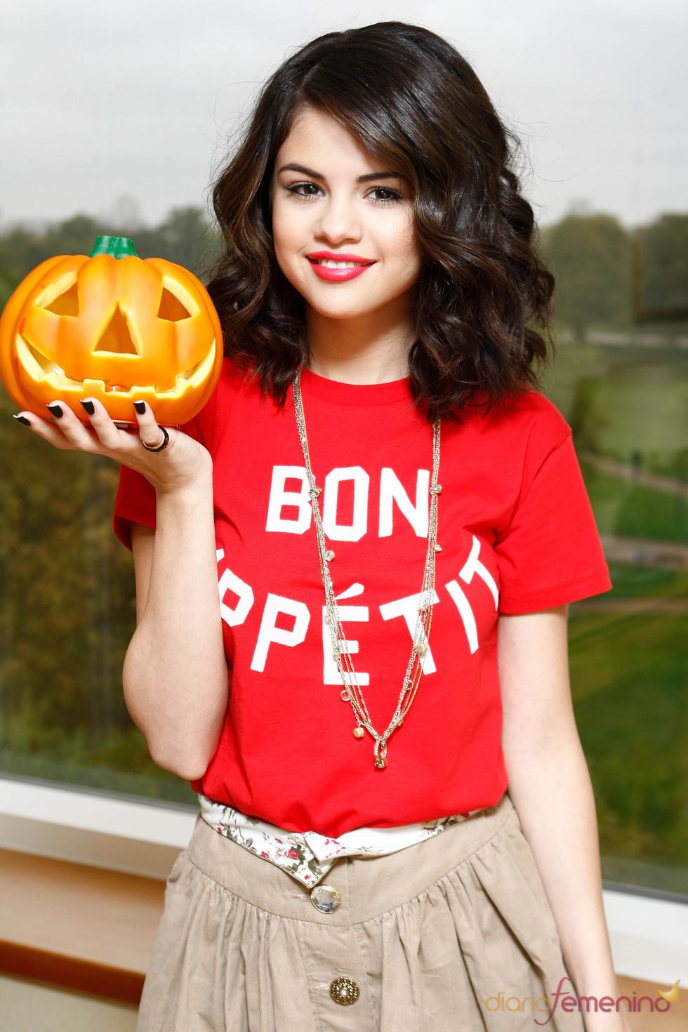 نتيجة بحث الصور عن selena halloween