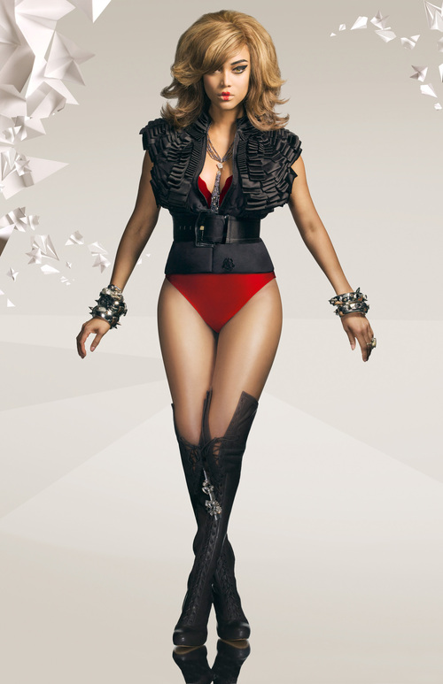 11vtjhr4qj_tyra_banks_top_model_cycle_12_promotional_shoot_001_dtagd_large