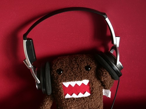Cute,headphones,music-f49cd4e50b67ff7e2ced66fe0240cf97_h_large