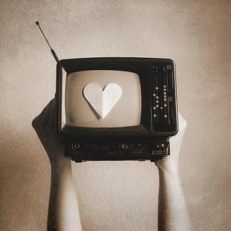 Inspiration,love,tv,art,lovely,black,and,white-2af713061d6f4f97fc499b7d3a81eb5e_h_large