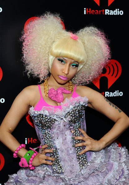 http://data.whicdn.com/images/16903076/iHeartRadio+Music+Festival+Day+2+Backstage+uuS6pvlJYdGl_large.jpg