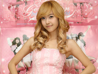 SNSD+Jessica+First+Asia+Concert+Backstage+Pictures+(12)_large.jpg