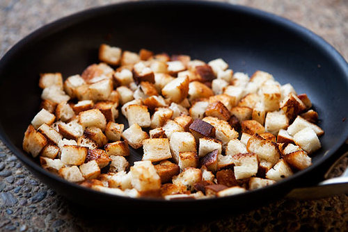How-to-make-croutons-a_large