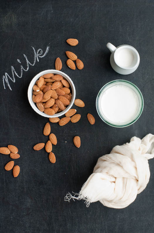 Almond-milk_large