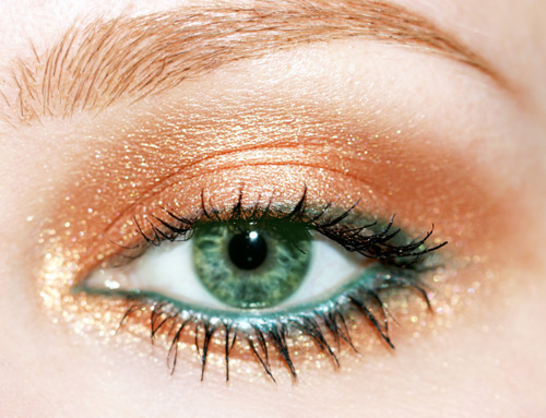 Beautiful-eye-green-make-up-makeup-favim.com-198717_large