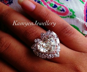 dimond chic style ring