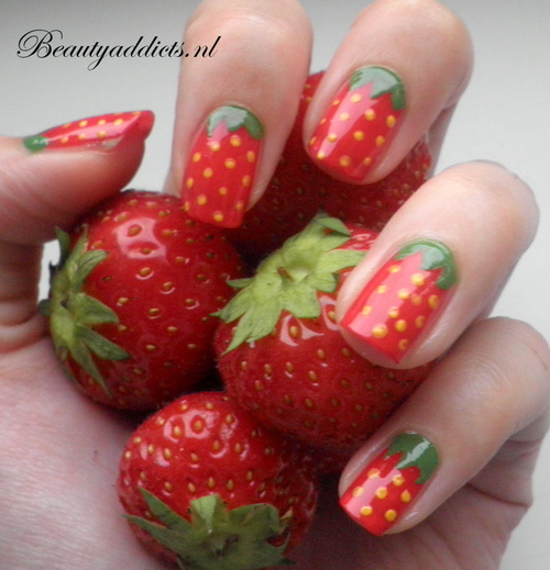 Strawberry-nails_large