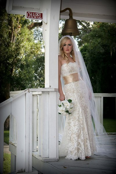 Rustic Shabby Chic Vintage Champagne Lace Outdoor Ceremony Wedding Dresses