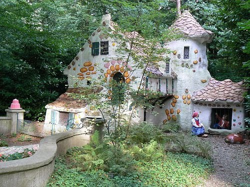 Fairy_tale_houses_29_large