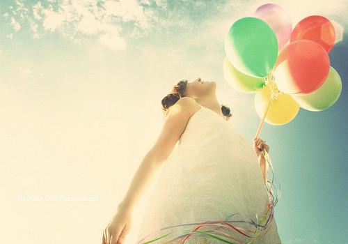Balloon,balloons,colour,sky,happy,woman-ddd1c40771d79320f4912c2de0d193aa_h_large
