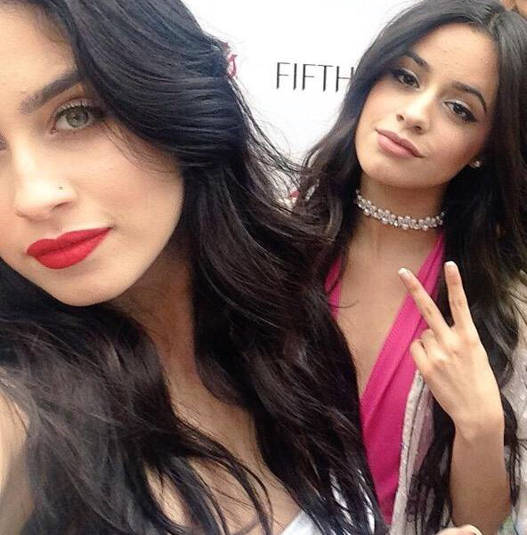 Are camila and lauren from fifth harmony dating
