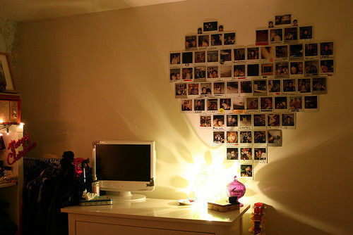 Beautiful-bedroom-cute-heart-polaroid-favim.com-194675_large