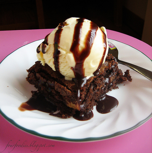 ice cream brownie sundae | Food And Drink Info for Our Fun | We Heart ...
