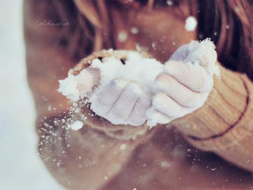 Let_it_snow__by_lifelikesuicide-d4ft0jl_large