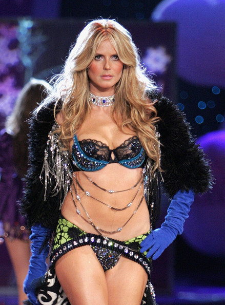 Victoria+secret+fashion+show+runway+29zd197kbrsl_large