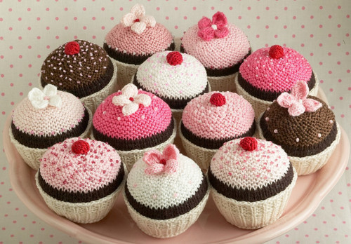 Cupcakes-cute-knit-separate-with-comma-favim.com-206422_large