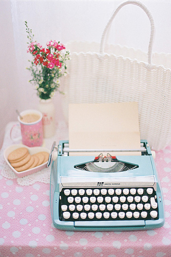 Maquina-de-escrever-COM-bolachas_large