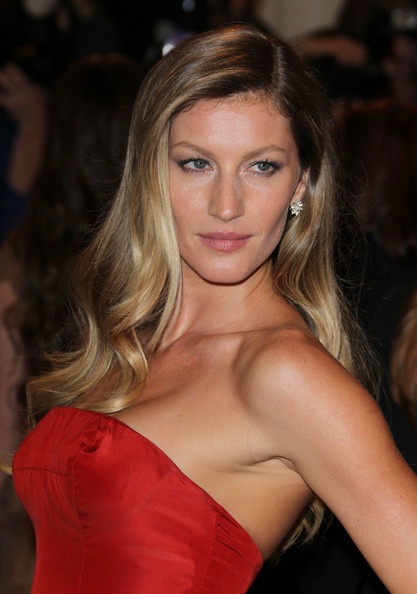 Gisele+bundchen+costume+institute+gala+celebrating+wakbv79fn2fl_large
