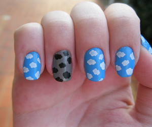 clouds nails