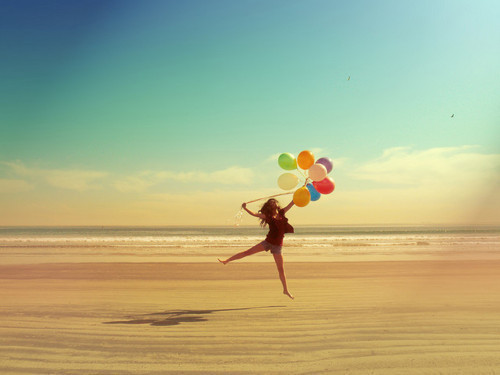 Balloons-beach-fashion-girl-hair-favim.com-209330_large