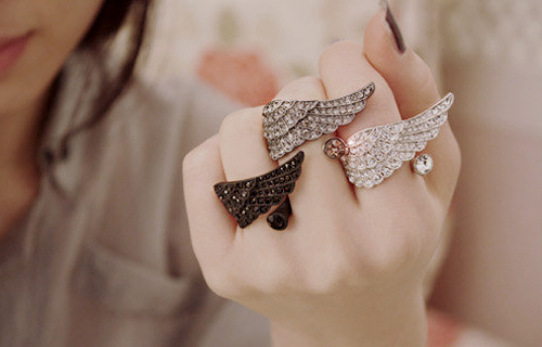 Accessories-fashion-photography-rings-separate-with-comma-favim.com-209375_large
