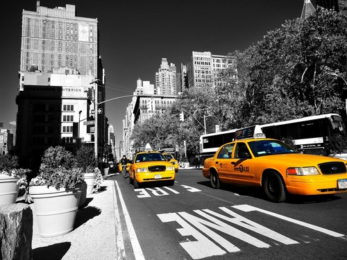 Yellow_taxi_in_new_york_wallpaper-1600x1200_large