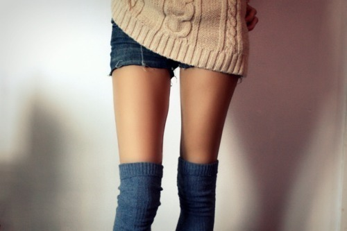 Fashion-legs-over-knee-overknees-skinny-favim.com-209945_large
