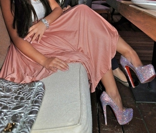 البسي اميرتي حذائك ليمتزج فضائي tumblr_lv2f38ms1F1qc