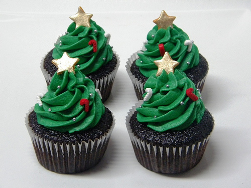Christmas-cupcakes-trees_large
