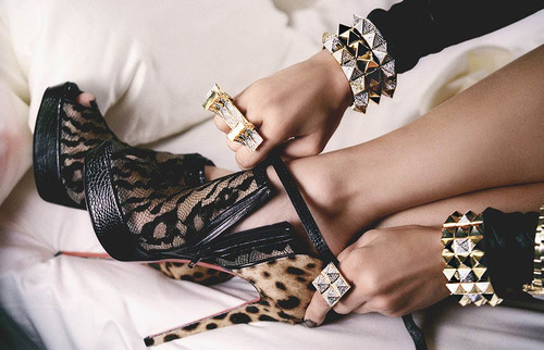 Bracelet-cheetah-fashion-glam-heels-favim.com-213577_large