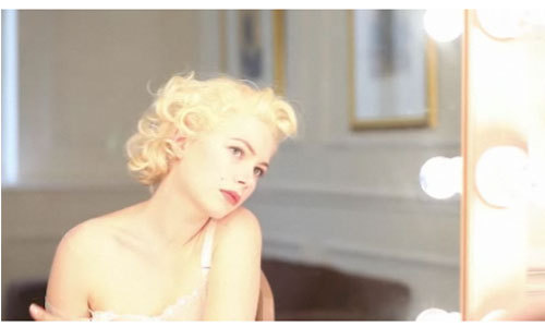 3-michelle-williams-posing-_large