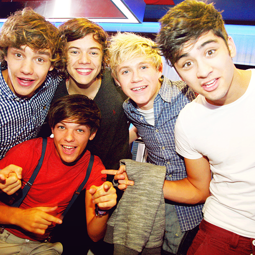 1d-heartthrobs-enternal-love-4-1d-always-will-signing-in-london-12-09-11-100-real-one-direction-25294704-500-500_large