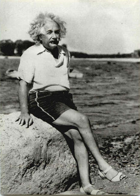 Albert-einstein-wearing-womens-shoes_large
