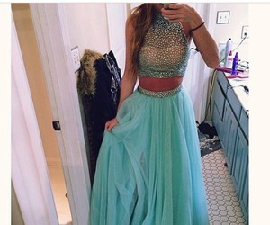Dress: prom dress, prom gown, style, sexy dress, sweet 16 dresses, sweet 16 dress, sweetheart dresses, long prom dress, shorts, skirt, fancy dress, pretty woman, maxi dress, hair accessory, phone cover - Wheretoget