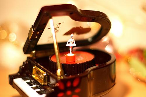 Caixinha-de-musica2_large