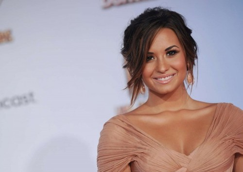 Demi%2520lovato%2520-%25202011%2520alma%2520awards-02-560x397_large