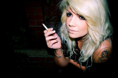 Demi Lovato Smoking Cigarettes Blonde-cigarette-fashion-smoke ...