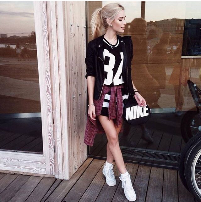 Add A Caption We Heart It Fashion Girl And Style