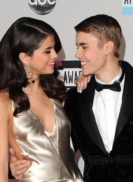 Justin+bieber+2011+american+music+awards+arrivals+rnfcd_sgfq_l_large