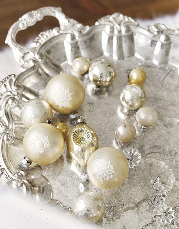 Metallic-vintage-holiday-ornaments-htours1206-de_large
