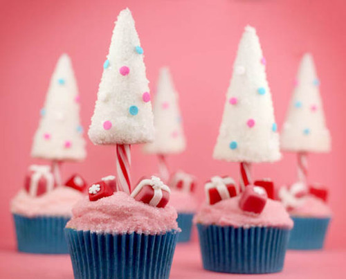 Christmas-tree-cupcakes_large