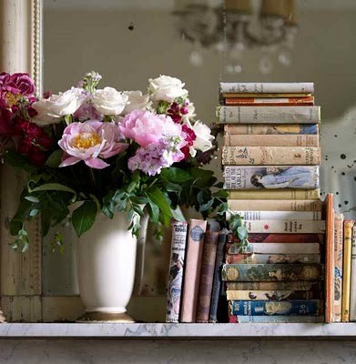 Books,book,decor,flowers,reading,objet-dc02255a996f1b073c69771159433e43_h_large