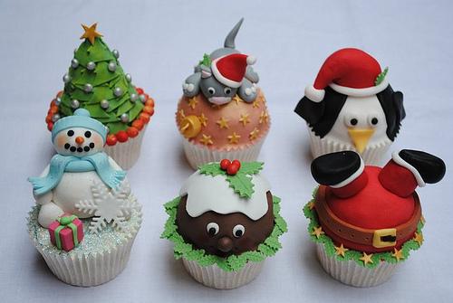 Amazing-christmas-cupcake-set_large