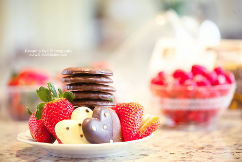 Chocolate-cookies-food-fruit-hearts-favim.com-227486_large