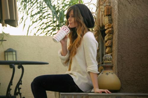 fashion girl brunette-drink-fashi