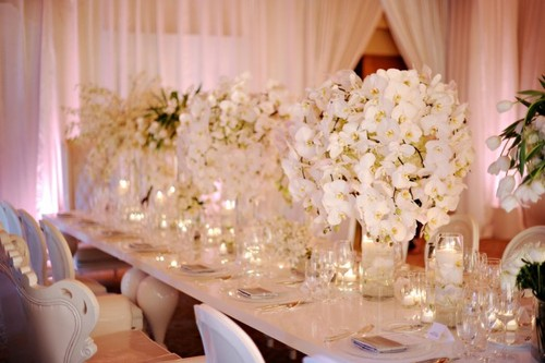 Largewhiteelegantfloralcenterpieces600x399 large report this entry